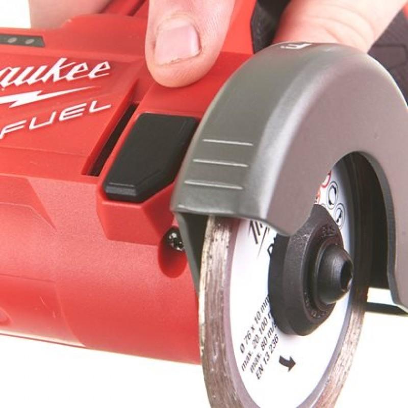 Сверхкомпактная  многофункциональная отрезная машина MILWAUKEE M12 FCOT-422X 4933464619