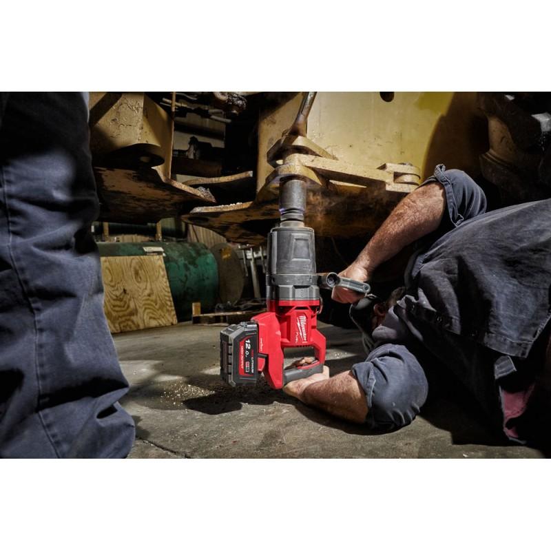 Аккумуляторный высокомоментный ударный гайковерт MILWAUKEE M18 FUEL ONEFHIWF1DS-121C  4933472072
