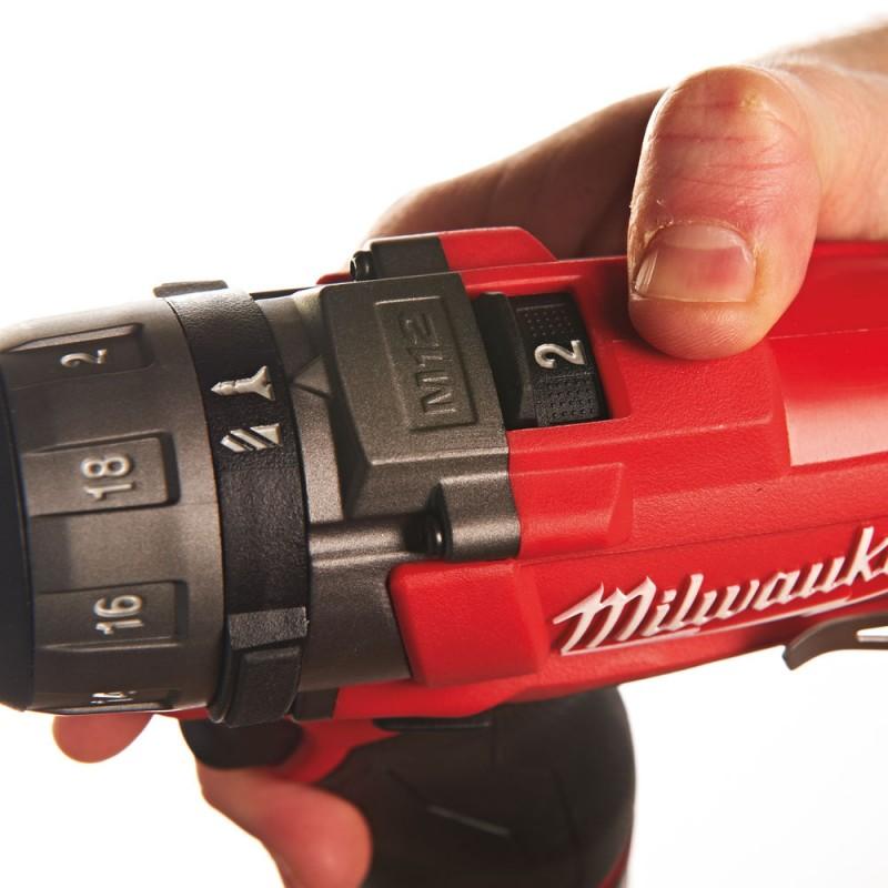 Двухскоростной шуруповерт MILWAUKEE M12 FUEL CD-0 4933440450