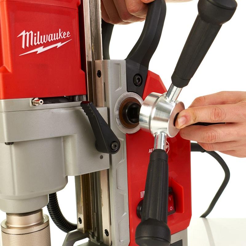 Дрель на магнитной станине с электромагнитом MILWAUKEE MDE 41 4933451015