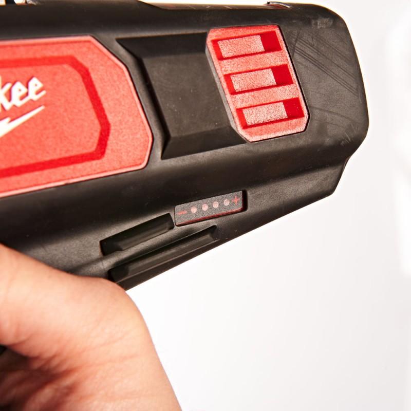 Аккумуляторный резак для кабелей MILWAUKEE M12 CC-0 4933431600