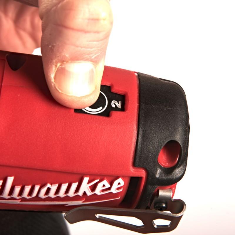 Импульсный гайковерт MILWAUKEE 3/8'' M12 CIW38-0 4933440460