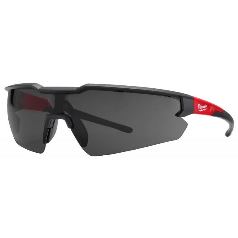 Очки защитные простые затемненные MILWAUKEE 4932471882